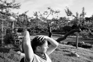 fotograf stina gronbech dokumentar organic farm pause mann 300x200 fotograf stina gronbech dokumentar organic farm pause mann