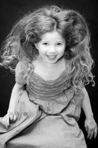 fotograf stina gronbech portrett barn hopp 200x300 kidz