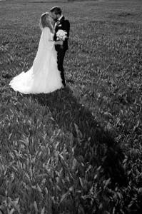 fotograf.stina .gronbech.bryllup.dokumentar.sommarøy.kyss .eng  199x300 fotograf.stina.gronbech.bryllup.dokumentar.sommarøy.kyss.eng